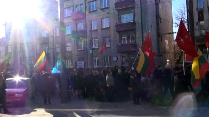 Lithuanian fascists march near WW2 execution site of 10,000 Jews
