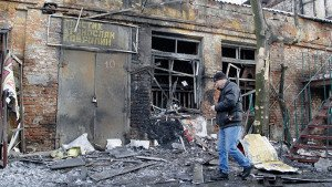 Shelling of a shop in Donetsk, Jan 15, 2015, photo by Alexander Ermochenko, Reuters