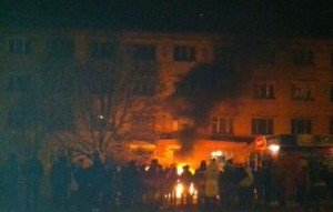 Crowd attacks Ukraine army center in Konstantinovka, eastern Ukraine on March 16, 2015 after soldiers killed eight year old girl