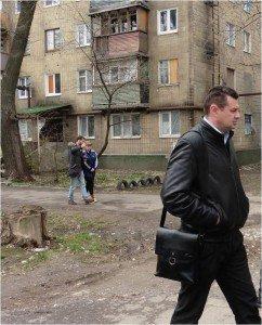 Aleksander Kolesnik, deputy of Novorossiya Parliament, with visiting journalists in Donetsk, April 2015
