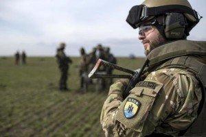 Azov Battalion member (Marko Djurica, Reuters)