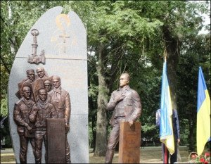 Monument opened in Lutsk, Ukraine August 2015, dedicated to local people killed by sniper fire on Maidan Square Feb. 20, 2014 (Volyn News)
