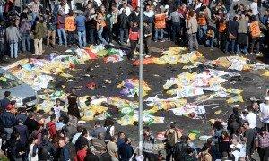 Scene of bombing of antiwar rally in Ankara, Oct 10, 2015 (Andalou Agency)