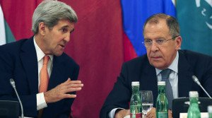 U.S. Secretary of State John Kerry (L) and Russian Foreign Minister Sergey Lavrov in Vienna on Oct 30, 2015 (Leonhard Foeger, Reuters)