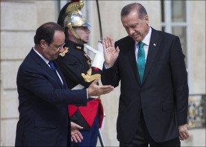 French President Hollande (L) and Turkish President Erdogan