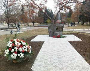 Monument in Debaltseve to those who fell defending the city in 2014-15, consecrated on Nov 4, 2015 (photo by Politnavigator)