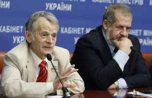 Mustafa Dzhemilev and Refat Chubarov, spokemen of the 'Crimean Mejlis' (Maxim Nikitin, TASS)