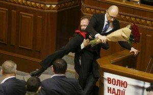 Poroshenko Bloc deputy Oleg Barna 'removes' Arseny Yatsenyuk as prime minister on Dec 11, 2015 (Reuters)