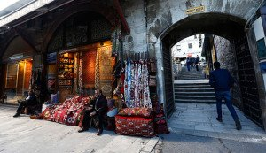 Trade is down sharply at the Arasta Bazaar in central Istanbul, photo on Jan 12, 2016 (Murad Sezer, Reuters)
