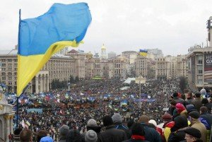 Supporters of economic association with Europe on Maidan Square in central Kyiv, Dec 1, 2013 (Gleb Garanich, Reuters)