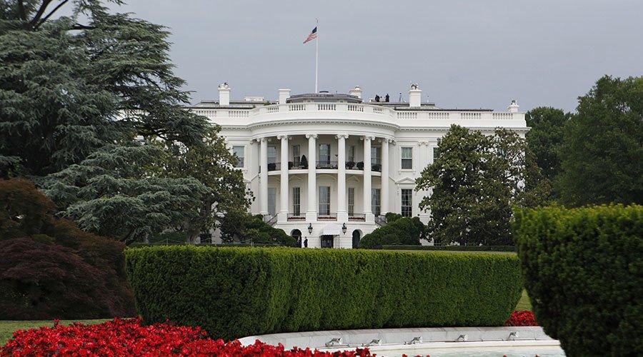 Obama prolongs sanctions on Russia over Ukraine crisis