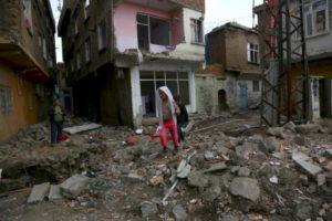 Residences in Sur district of Diyarbakir, Turkey damaged by Turkish military campaign, Feb 19, 2016 (Sertac Kayar, Reuters)