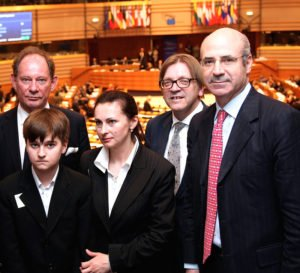 Financier William Browder (R) with Sergei Magnitsky's widow and son, along with European parliamentarians