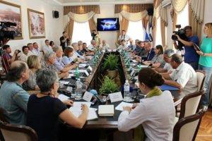 U.S. delegation begins visit to Crimea at meeting in Simferopol on June 21, 2016 (Sergey Pavliv, RIA Novosti)