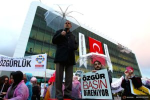 Protest in March 2016 outside of Zaman newspaper, Turkey's largest, after the gov't seized it and turned it into a gov't mouthpiece (Reuters)