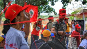 The anniversary event of the El Maizal Commune initiated with an act symbolizing the networks built between communards.
