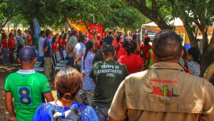 The anniversary of El Maizal opened with a forum at the entrance of the recuperated communal farm lands.