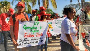 El Maizal's cattle production unit, Emiliano Zapata participated in the communal march.
