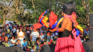 Local dance groups shared traditional and folkloric dance for the communards.