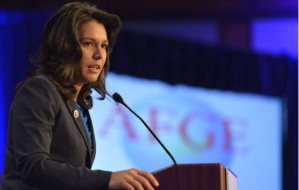 Tulsi Gabbard pushes no war agenda – and the media is out to kill her chances