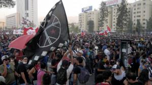 Chile: Despite harsh repression of thousands in Dignity Square protestors prevail
