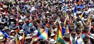 Videos and photos: Evo returns to Bolivia / Bolivia. Evo aclamado en Uyuni, Orinoca y Oruro