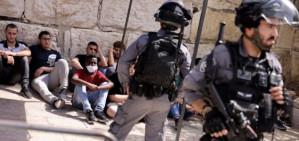 Al-Aqsa Mosque: Israel police storm the complex following Gaza ceasefire